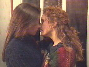 kiss-2.jpg