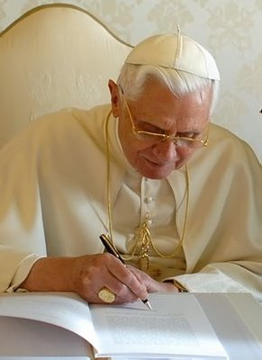 pope-signing